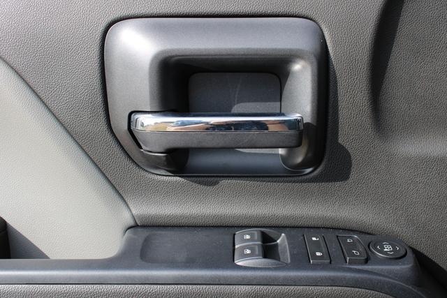 2020 Chevrolet Silverado 5500 Regular Cab DRW 4x4, Knapheide Value-Master X Platform Body #M869999 - photo 18