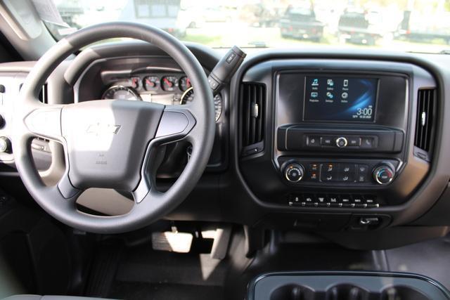 2020 Chevrolet Silverado 5500 Regular Cab DRW 4x4, Knapheide Value-Master X Platform Body #M869999 - photo 20