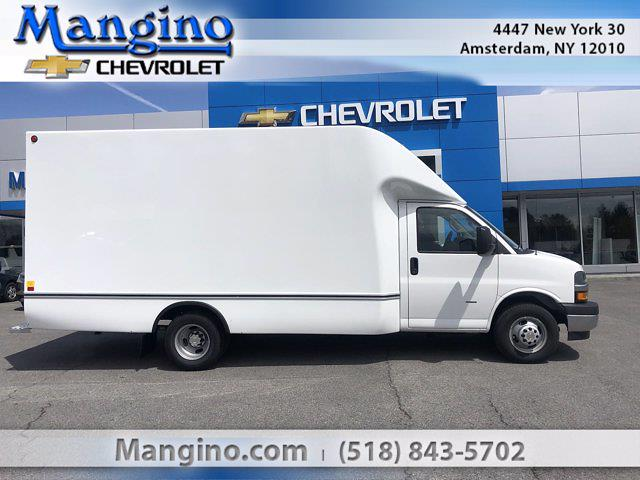 2021 Chevrolet Express 3500 4x2, Unicell Cutaway Van #130421 - photo 1