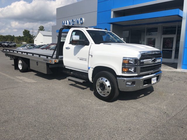 2019 Silverado Medium Duty Regular Cab DRW 4x2,  Miller Industries Chevron Rollback Body #550919 - photo 2
