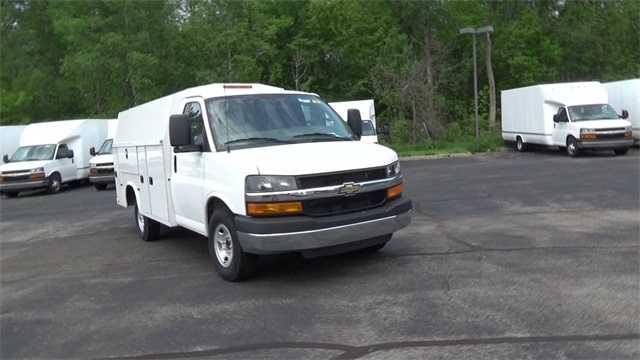 2016 Express 3500, Knapheide Service Utility Van #T160428 - photo 3