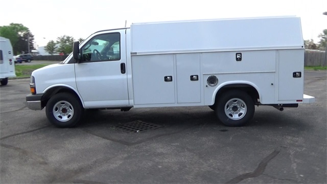 2016 Express 3500, Knapheide Service Utility Van #T160428 - photo 4