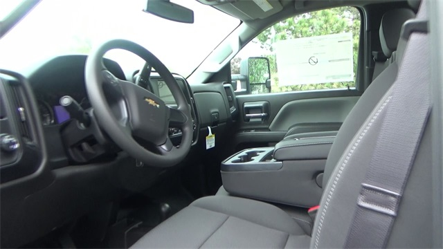 2016 Silverado 3500 Regular Cab 4x4, Cab Chassis #T161397 - photo 7