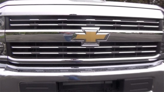 2016 Silverado 3500 Regular Cab 4x4, Cab Chassis #T161397 - photo 11