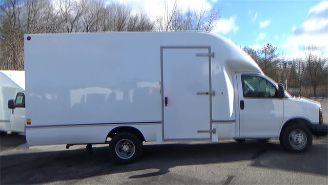 2016 Express 3500, Cutaway Van #T162140 - photo 17