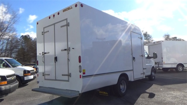 2016 Express 3500, Cutaway Van #T162140 - photo 2