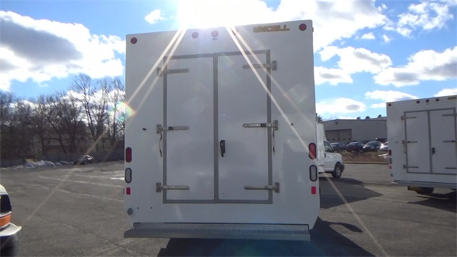 2016 Express 3500, Cutaway Van #T162140 - photo 5