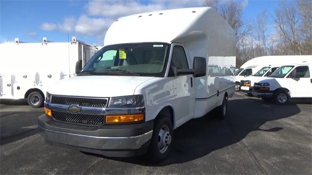 2016 Express 3500, Cutaway Van #T162144 - photo 3