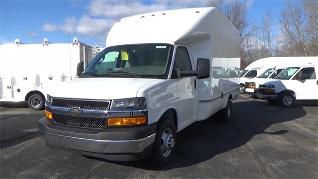 2016 Express 3500, Cutaway Van #T162144 - photo 4
