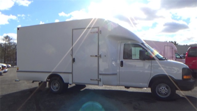 2016 Express 3500, Cutaway Van #T162150 - photo 11