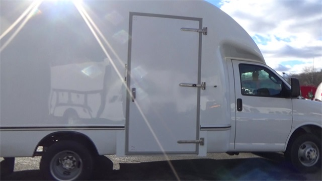 2016 Express 3500, Cutaway Van #T162150 - photo 15