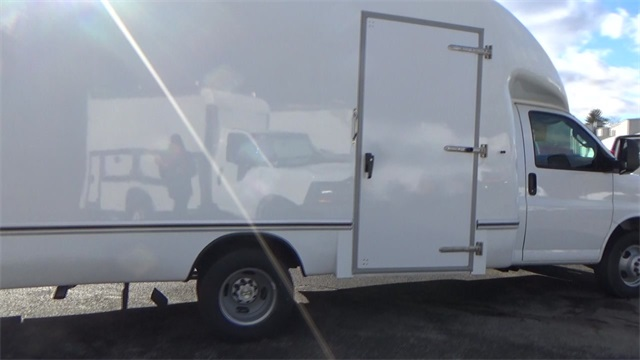 2016 Express 3500, Cutaway Van #T162150 - photo 16