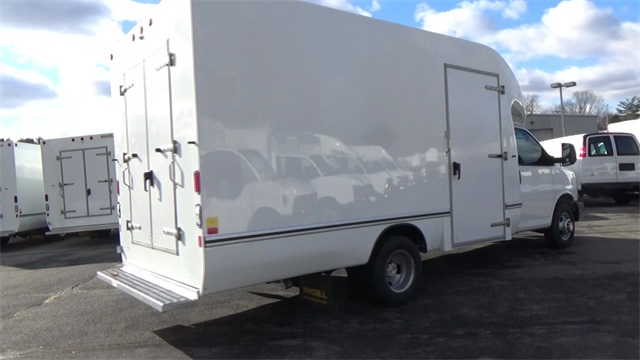 2016 Express 3500, Cutaway Van #T162150 - photo 19
