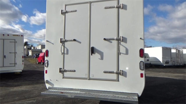 2016 Express 3500, Cutaway Van #T162150 - photo 22