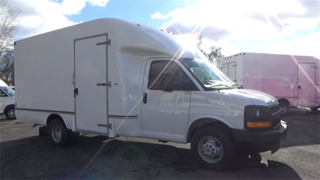 2016 Express 3500, Cutaway Van #T162150 - photo 8