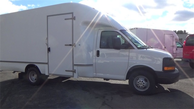 2016 Express 3500, Cutaway Van #T162150 - photo 9