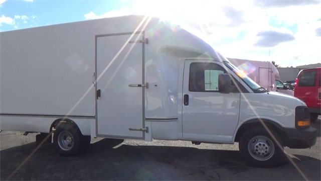 2016 Express 3500, Cutaway Van #T162150 - photo 10