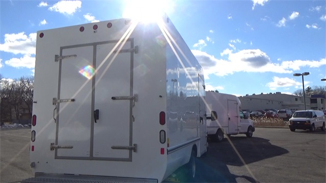 2016 Express 3500, Cutaway Van #T162161 - photo 21