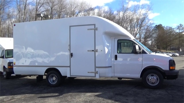 2016 Express 3500, Cutaway Van #T162161 - photo 10