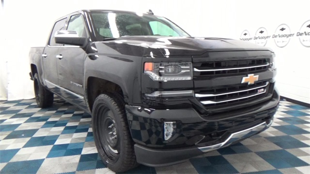 2017 Silverado 1500 Crew Cab 4x4, Pickup #T170176 - photo 4
