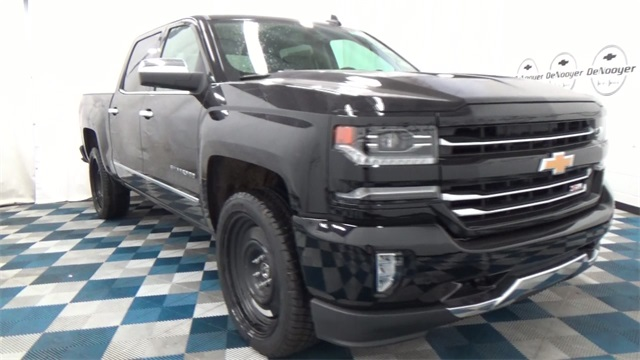 2017 Silverado 1500 Crew Cab 4x4, Pickup #T170176 - photo 5