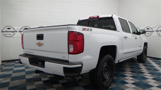 2017 Silverado 1500 Crew Cab 4x4, Pickup #T170191 - photo 2
