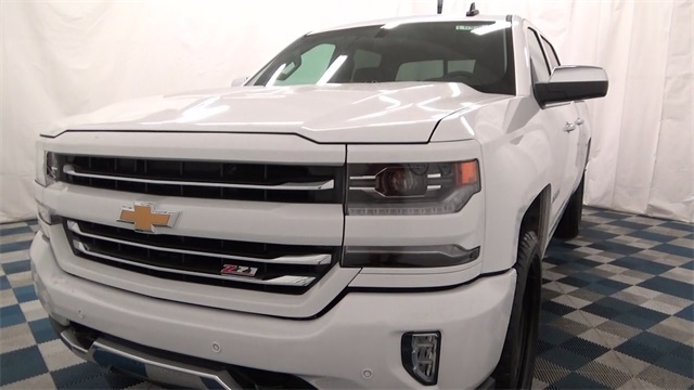 2017 Silverado 1500 Crew Cab 4x4, Pickup #T170191 - photo 24