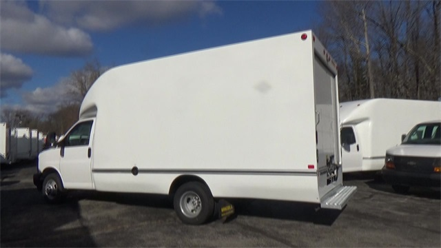 2017 Express 3500, Cutaway Van #T170452 - photo 23