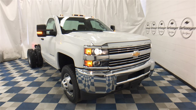 2017 Silverado 3500 Regular Cab 4x4 Cab Chassis #T170770 - photo 1