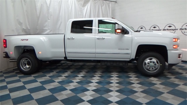 2017 Silverado 3500 Crew Cab 4x4, Pickup #T170780 - photo 3