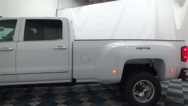 2017 Silverado 3500 Crew Cab 4x4, Pickup #T170780 - photo 5