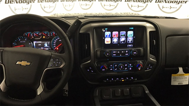 2017 Silverado 2500 Crew Cab 4x4, Pickup #T170809 - photo 17
