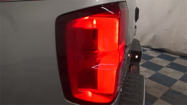 2017 Silverado 1500 Crew Cab 4x4, Pickup #T171022 - photo 19