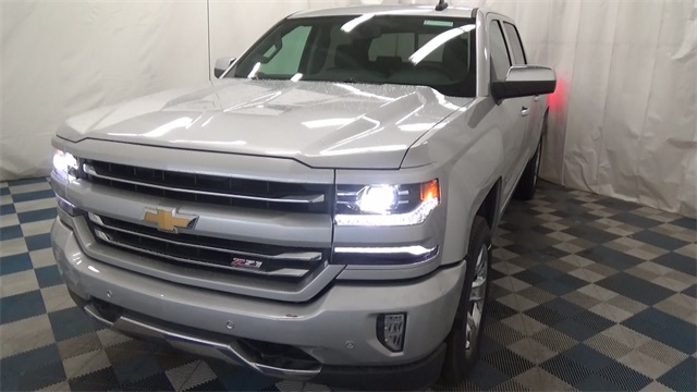 2017 Silverado 1500 Crew Cab 4x4, Pickup #T171022 - photo 4