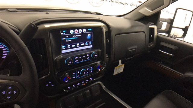2017 Silverado 2500 Crew Cab 4x4, Pickup #T171176 - photo 15