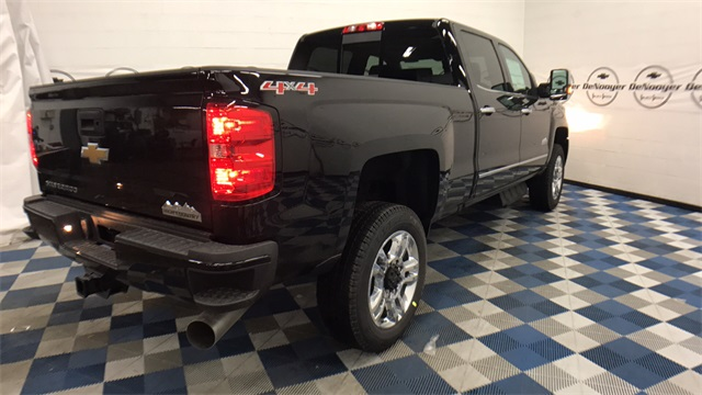2017 Silverado 2500 Crew Cab 4x4, Pickup #T171176 - photo 30