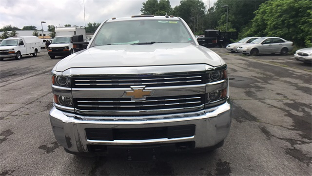 2017 Silverado 2500 Regular Cab 4x4, Service Body #T171180 - photo 5