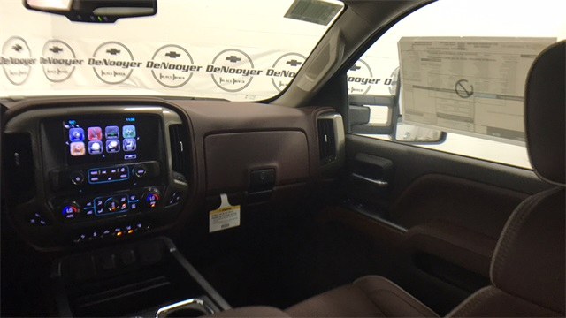 2017 Silverado 2500 Crew Cab 4x4, Pickup #T171283 - photo 21