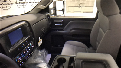 2017 Silverado 3500 Regular Cab 4x4 Cab Chassis #T171350 - photo 13