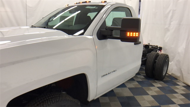 2017 Silverado 3500 Regular Cab 4x4 Cab Chassis #T171387 - photo 7