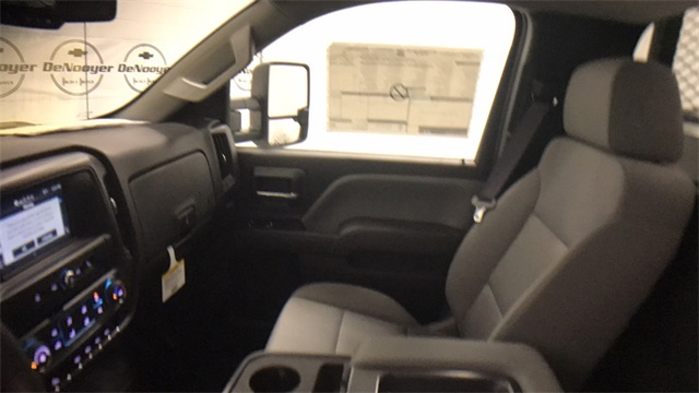 2017 Silverado 2500 Regular Cab 4x4, Service Body #T171409 - photo 23