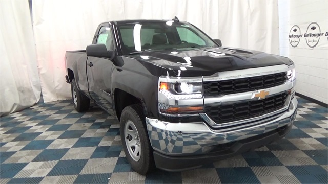 2017 Silverado 1500 Regular Cab 4x4 Pickup #T171585 - photo 1