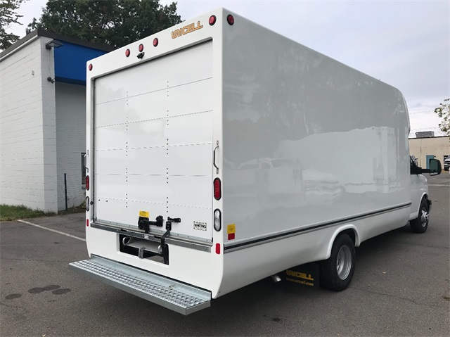 2017 Express 3500 Cutaway Van #T171676 - photo 6