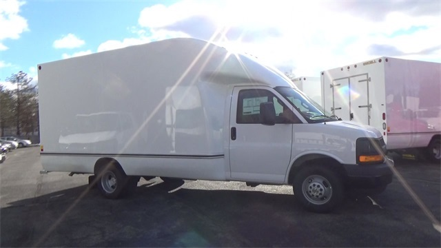 2017 Express 3500 Cutaway Van #T171697 - photo 2
