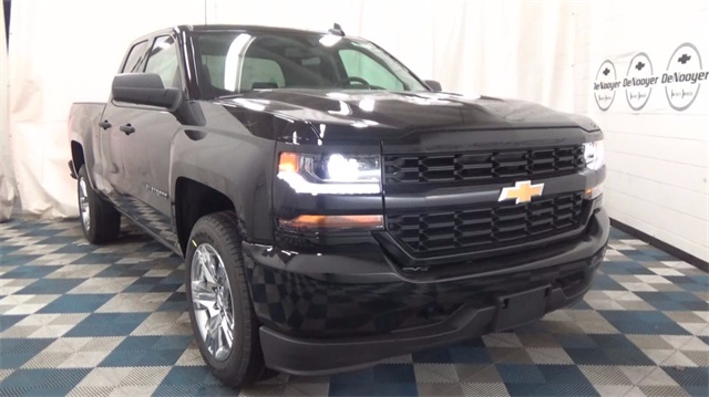 2018 Silverado 1500 Extended Cab 4x4 Pickup #T180149 - photo 1