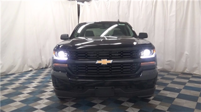 2018 Silverado 1500 Extended Cab 4x4 Pickup #T180149 - photo 3