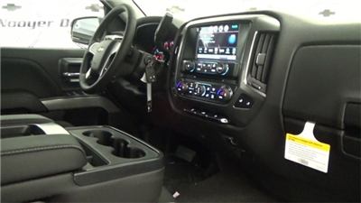 2018 Silverado 1500 Extended Cab 4x4 Pickup #T180160 - photo 14