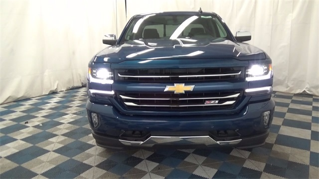 2018 Silverado 1500 Extended Cab 4x4 Pickup #T180162 - photo 4