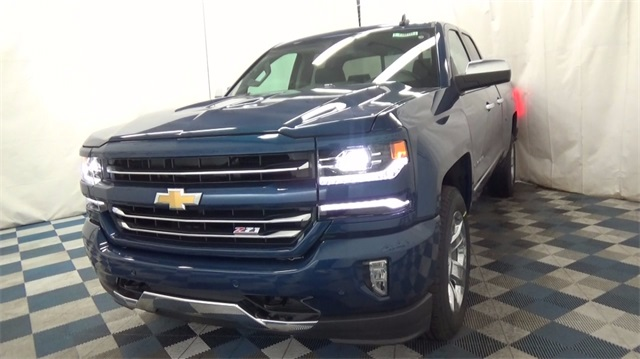 2018 Silverado 1500 Extended Cab 4x4 Pickup #T180162 - photo 3