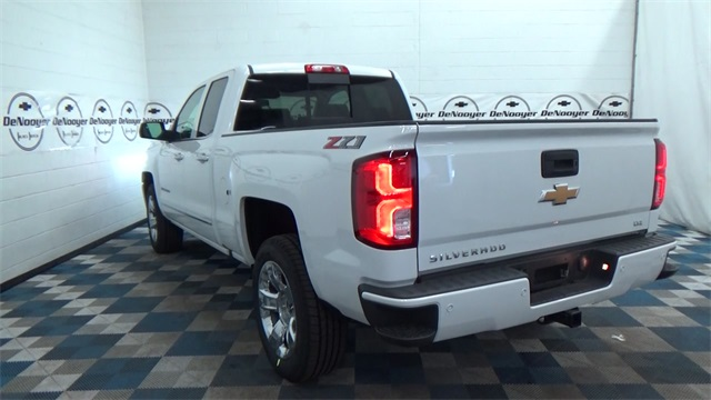 2018 Silverado 1500 Double Cab 4x4, Pickup #T180169 - photo 20